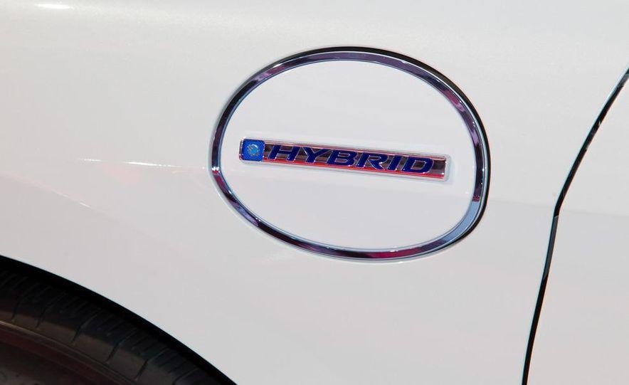 2014 Honda Accord Plug-In Hybrid - Slide 14