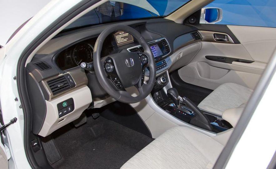2014 Honda Accord Plug-In Hybrid - Slide 15