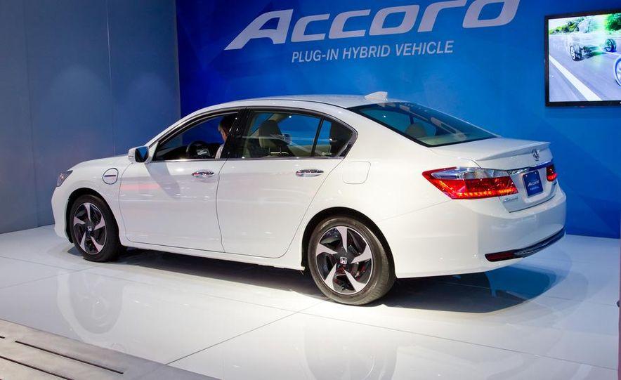 2014 Honda Accord Plug-In Hybrid - Slide 3