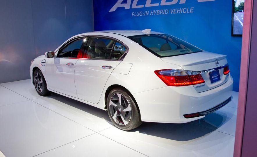 2014 Honda Accord Plug-In Hybrid - Slide 4