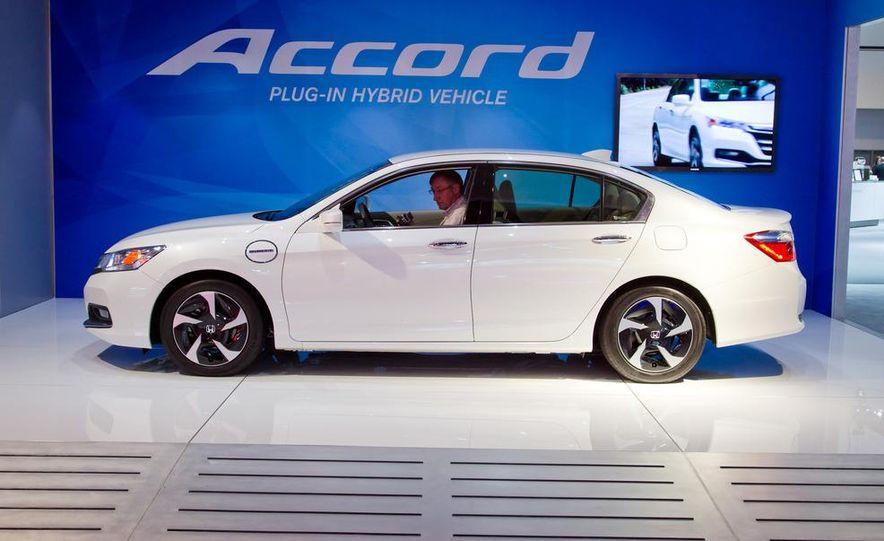 2014 Honda Accord Plug-In Hybrid - Slide 5