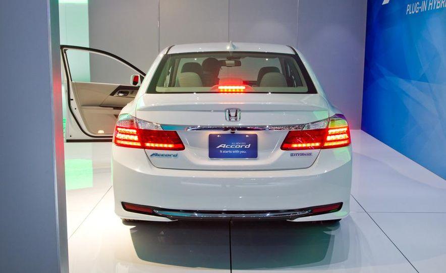 2014 Honda Accord Plug-In Hybrid - Slide 7