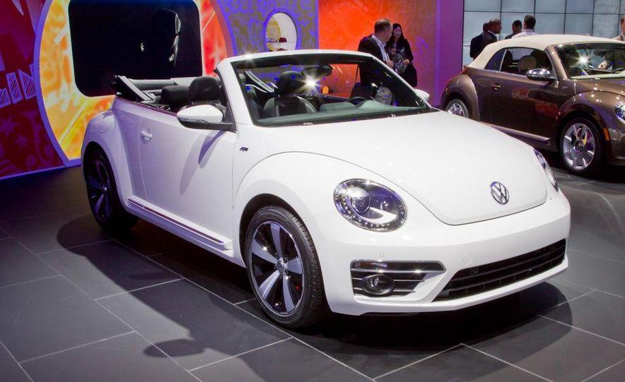 2013 Volkswagen Beetle convertible R-Line - Slide 1