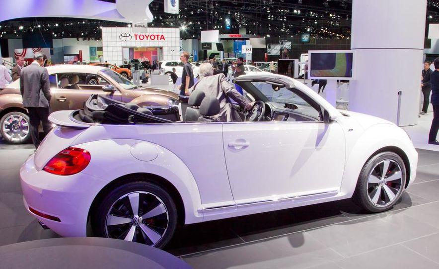 2013 Volkswagen Beetle convertible R-Line - Slide 5