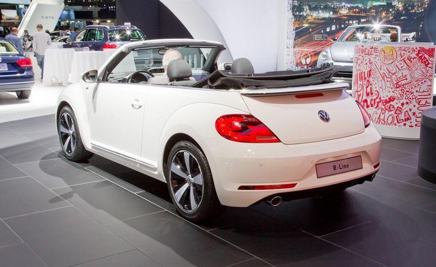 2013 Volkswagen Beetle convertible R-Line - Slide 7