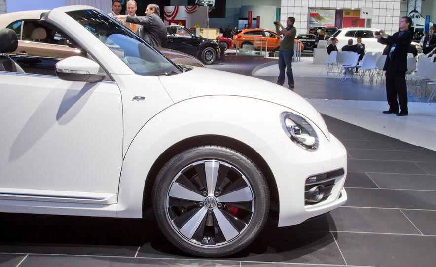 2013 Volkswagen Beetle convertible R-Line - Slide 10