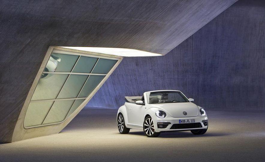 2013 Volkswagen Beetle convertible R-Line - Slide 13