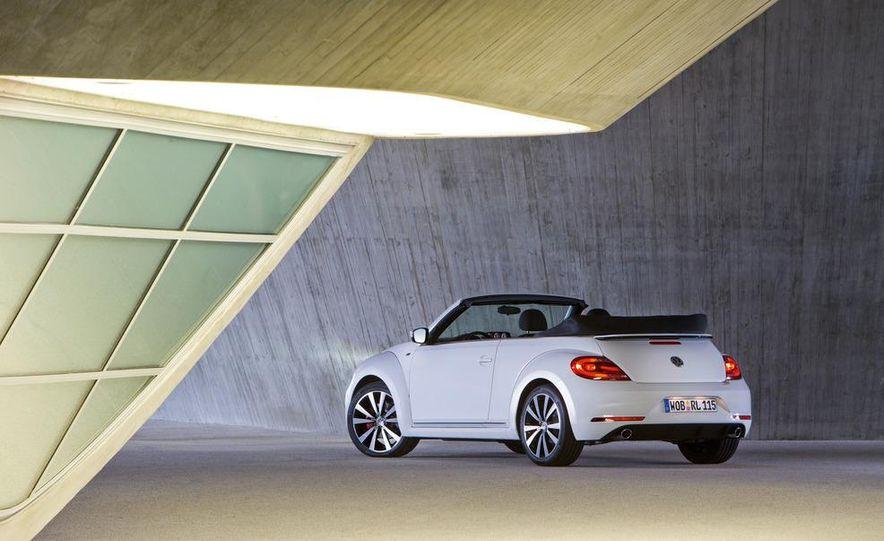 2013 Volkswagen Beetle convertible R-Line - Slide 14