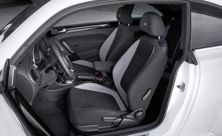 2013 Volkswagen Beetle convertible R-Line - Slide 20