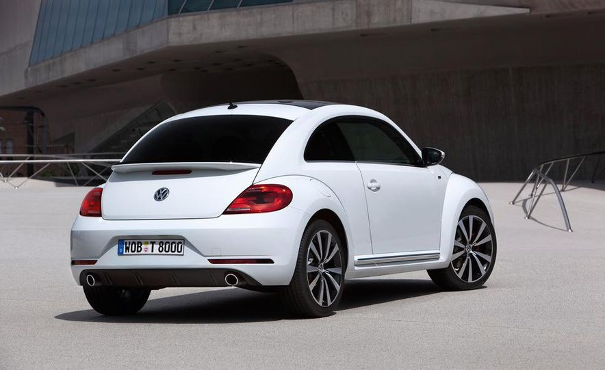 2013 Volkswagen Beetle convertible R-Line - Slide 18