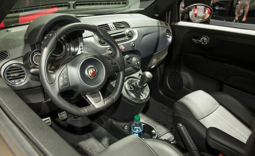 Fiat 500 Abarth Tenebra design concept - Slide 5