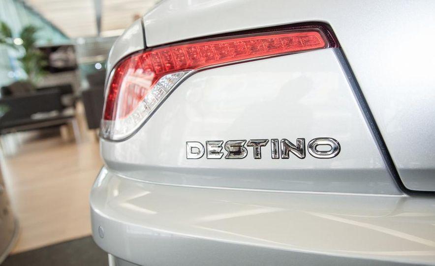 VL Automotive Destino - Slide 5