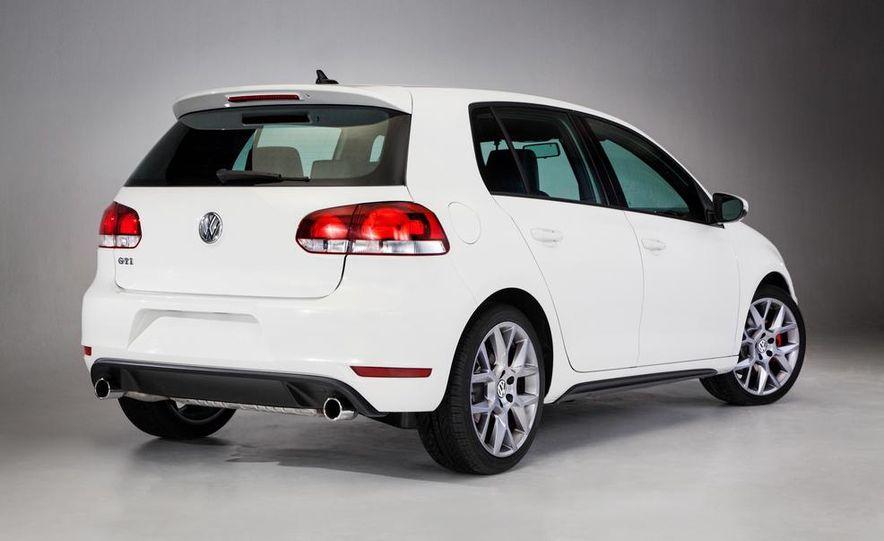 2013 Volkswagen GTI Driver's Edition - Slide 8