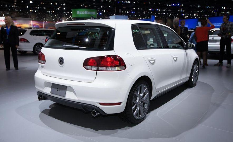 2013 Volkswagen GTI Driver's Edition - Slide 3
