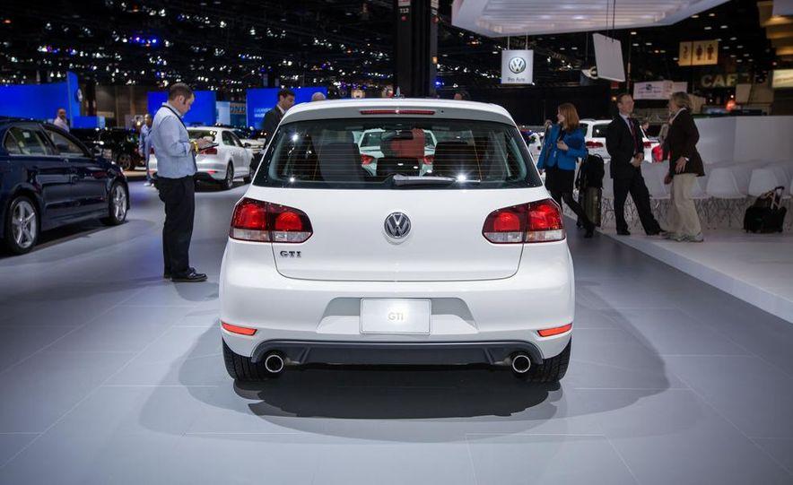 2013 Volkswagen GTI Driver's Edition - Slide 4
