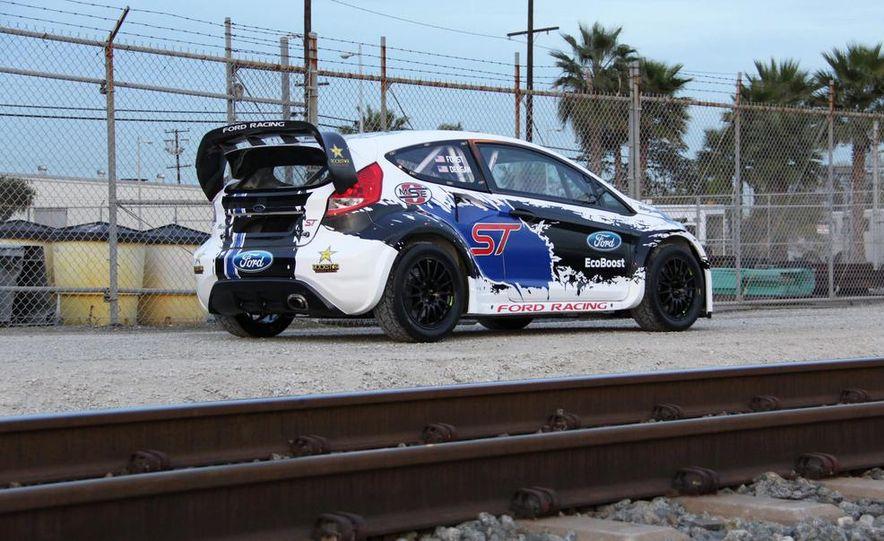 Ford Fiesta ST GRC racer - Slide 5