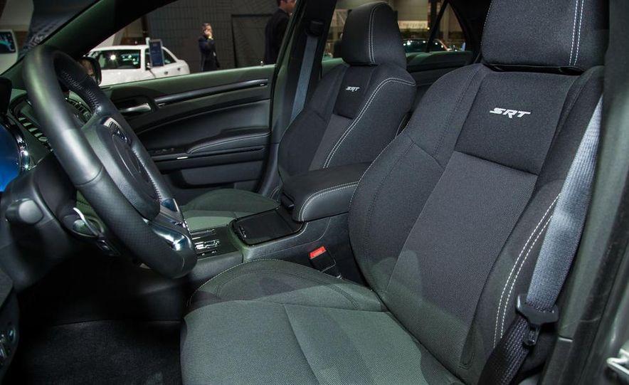 2013 Chrysler 300C SRT8 - Slide 5