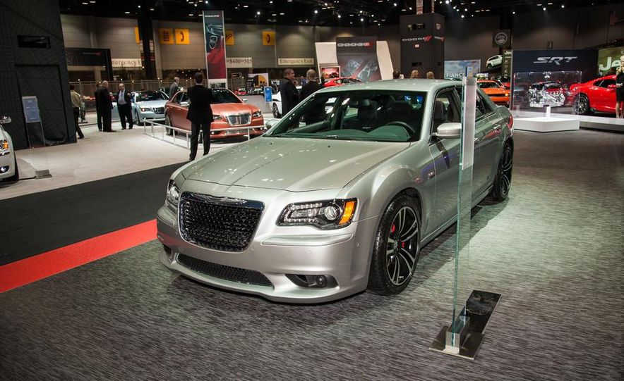 2013 Chrysler 300C SRT8 - Slide 2