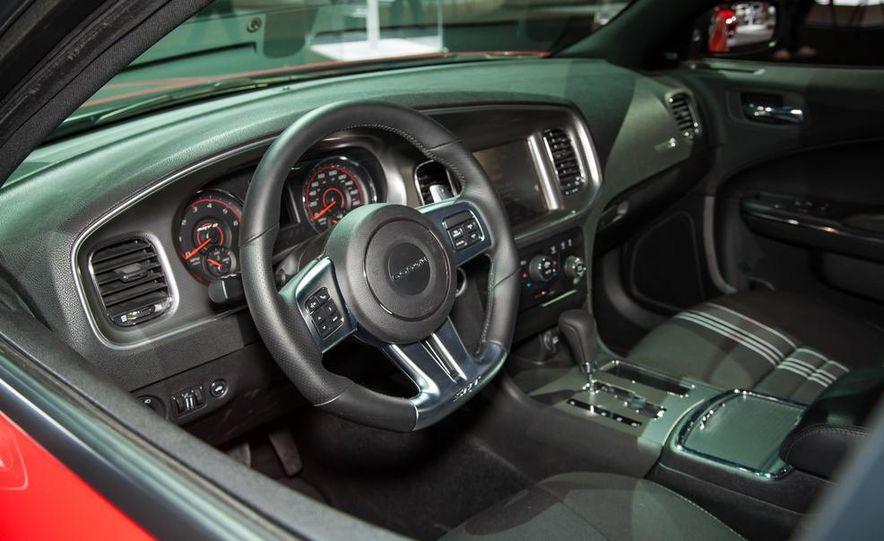 2013 Dodge Charger SRT8 Super Bee - Slide 5