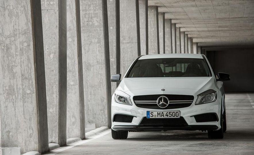 2014 Mercedes-Benz A45 AMG - Slide 9
