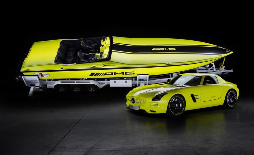 Cigarette AMG Electric Drive powerboat concept and 2014 Mercedes-Benz SLS AMG Electric Drive - Slide 1