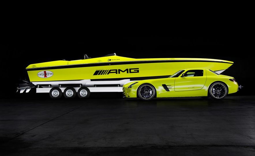 Cigarette AMG Electric Drive powerboat concept and 2014 Mercedes-Benz SLS AMG Electric Drive - Slide 2