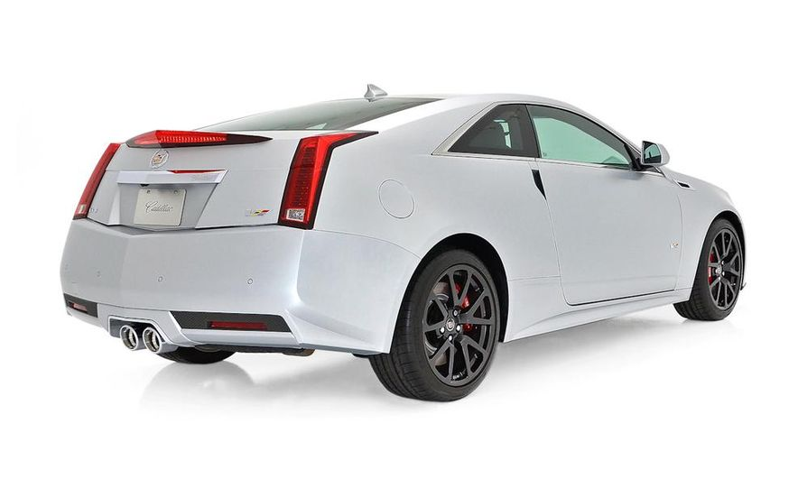 2013 Cadillac CTS-V Coupe Silver Frost Edition - Slide 4