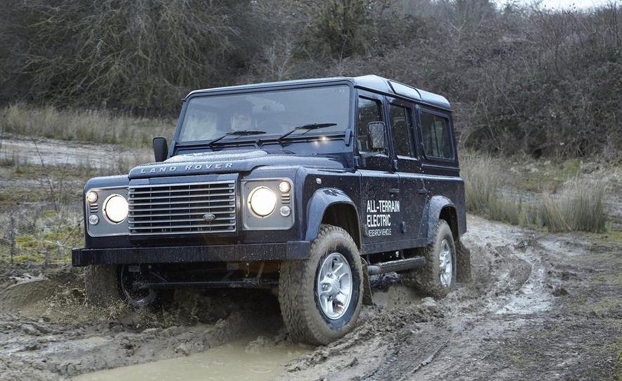 Land Rover Defender electric - Slide 2