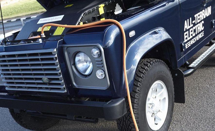 Land Rover Defender electric - Slide 6