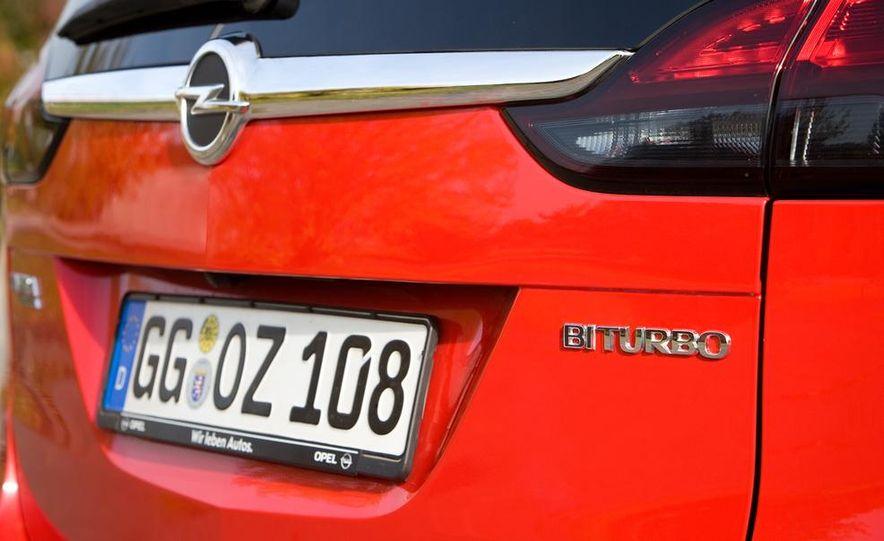 2013 Opel Zafira Tourer BiTurbo - Slide 20