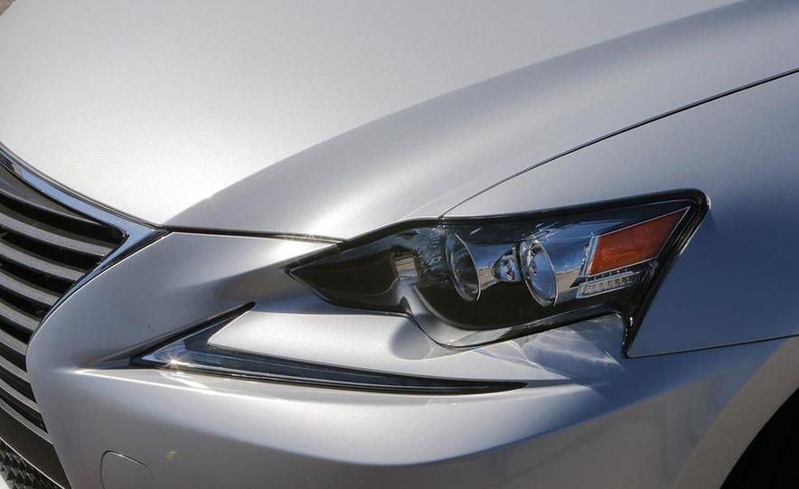 2014 Lexus IS250 - Slide 8