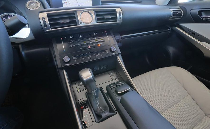 2014 Lexus IS250 - Slide 13