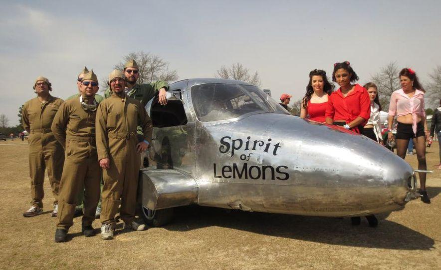LeMons Southern Discomfort Inspections: Bosozoku, '64 Fairlane, '64 Dart, and a Cessna (Yes, a Plane!) - Slide 17