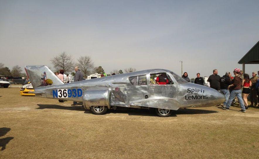 LeMons Southern Discomfort Inspections: Bosozoku, '64 Fairlane, '64 Dart, and a Cessna (Yes, a Plane!) - Slide 21