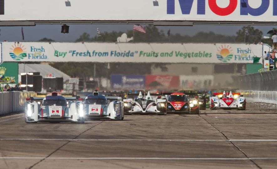 2013 12 Hours of Sebring - Slide 43