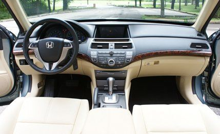 Honda Accord Crosstour Review: 2010 Accord Crosstour FWD Test | Car And  Driver