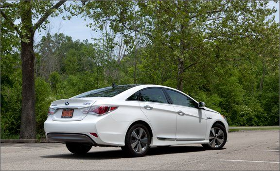 2011 Hyundai Sonata Hybrid Road Test U0026ndash; Review U0026ndash; Car And Driver