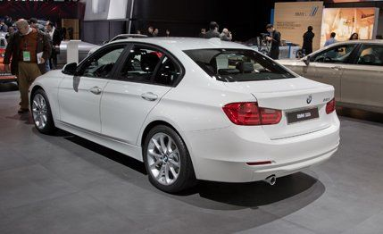 BMW I Photos And Info News Car And Driver - Bmw 320i series