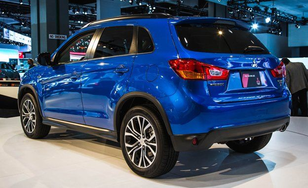 view photos inside the 2016 outlander sport