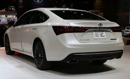 2016 Toyota Avalon Photos and Info | News | Car and Driver
