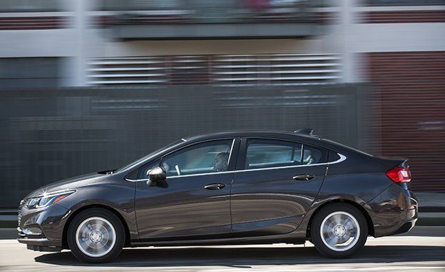 2017 Chevrolet Cruze Diesel First Drive Review Car And Driver