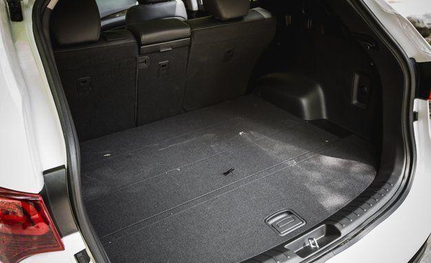 Hyundai Santa Fe Trunk Space >> 2017 Hyundai Santa Fe Sport Cargo Space And Storage Review Car