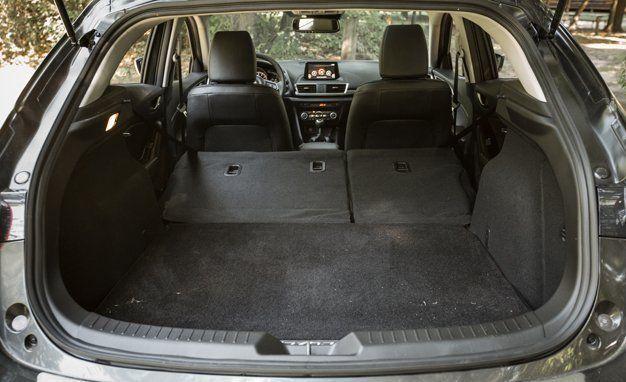 2016 Mazda 3 Hatchback Cargo E