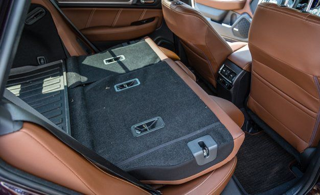2017 Subaru Outback Cargo Space And Storage Review Car And Driver