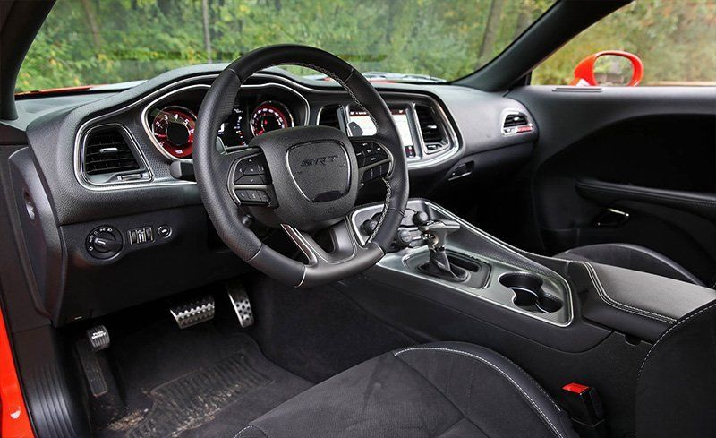 dodge challenger interior 2018. Black Bedroom Furniture Sets. Home Design Ideas