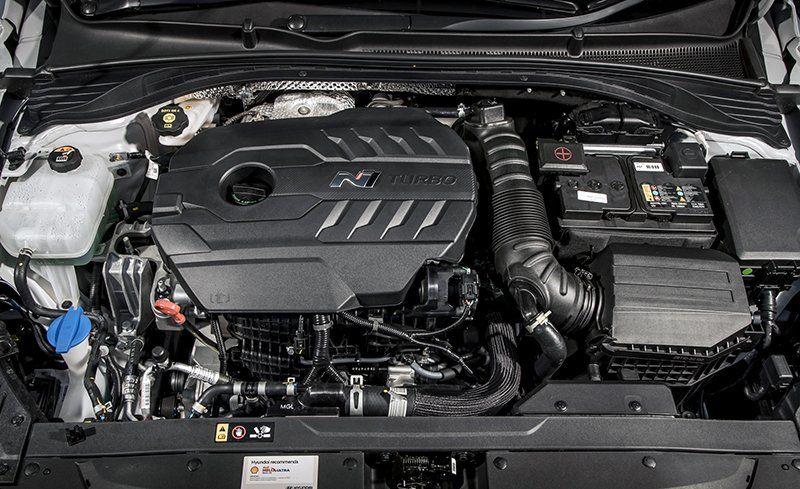 La Hyundai I30 N à toit fuyant dévoilée avant le mondial de l'auto de Paris 2018-hyundai-i30-n-inline4-photo-701826-s-original