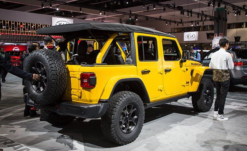 2018 Jeep Wrangler Jl Finally Unveiled All The Details Photos News Car And Driver