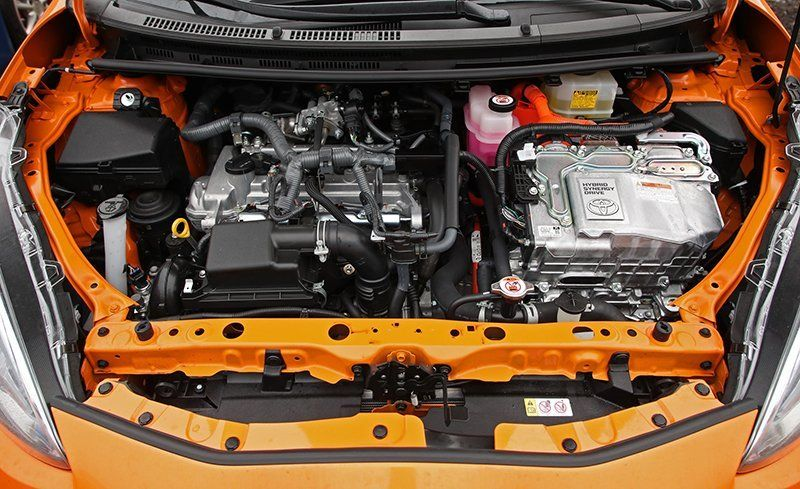 Consisting Of A 1 5 Liter Inline Four And Pair Ac Motor Generators The Prius C S Hybrid System Musters Combined 99 Horse