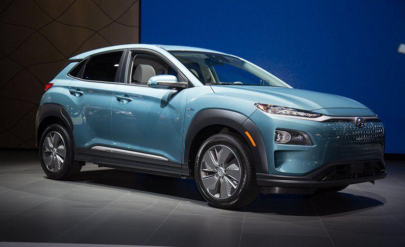 2019 Hyundai Kona Electric Debuts Packs A Battery News Car And Driver