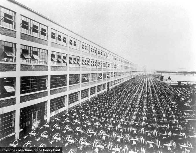 Even as Ford's moving assembly line was still in its infancy, Model T production was ramping up exponentially. This August 1913 photo shows 1000 completed chassis at the Highland Park plant—one day's production. By 1916, the plant was cranking out 2000 per day. And in 1926, the factory hit an all-time high with 9000 in one day.